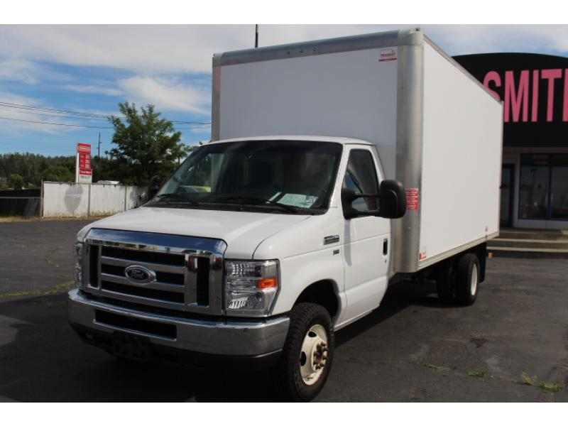 Pre-Owned 2016 Ford E-450 Super Duty E-Series Base