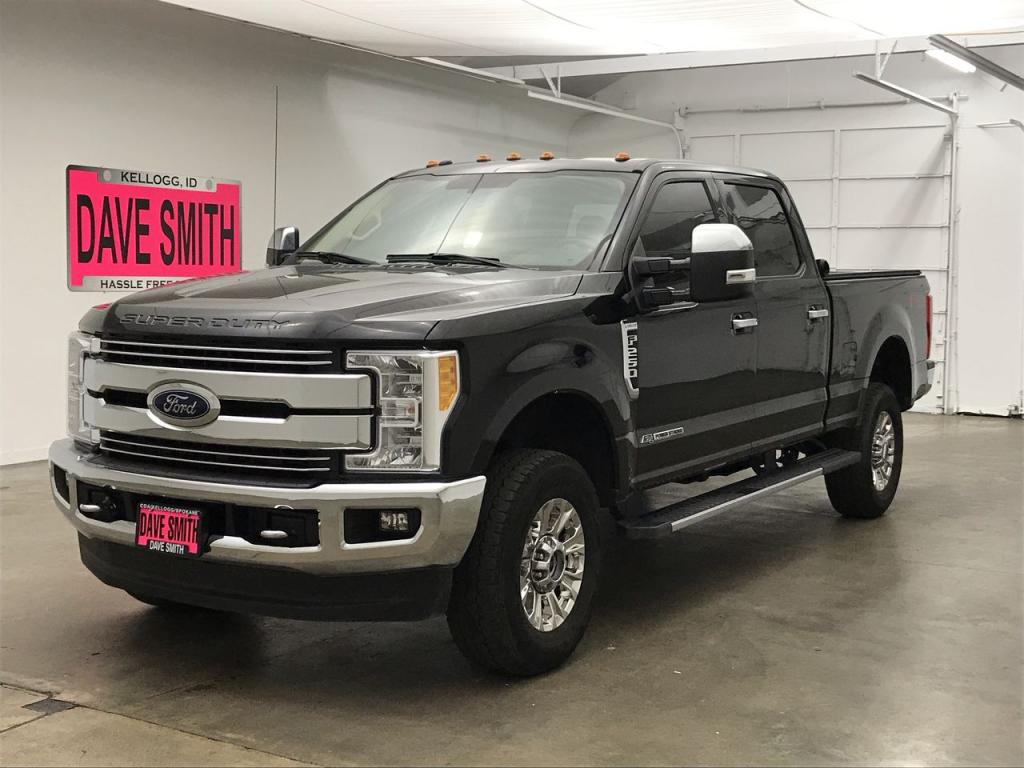 Pre-Owned 2017 Ford F-250 Super Duty Lariat Crew Cab Short Box
