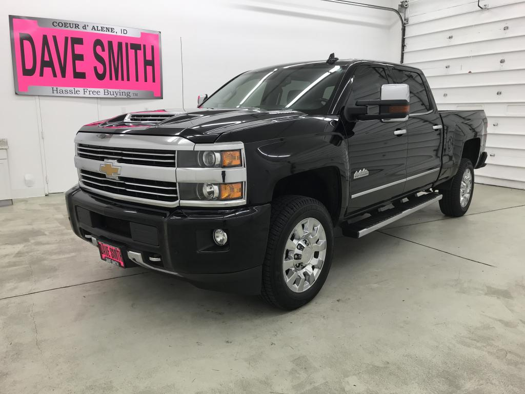 Pre-Owned 2017 Chevrolet Silverado 2500 High Country Crew Cab Short Box