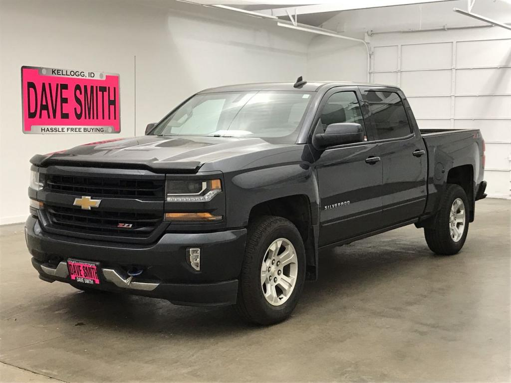 Pre-Owned 2018 Chevrolet Silverado 1500 LT Z71 Crew Cab Short Box