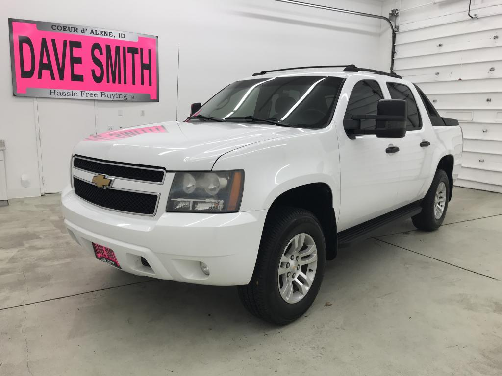 Pre-Owned 2009 Chevrolet Avalanche LS