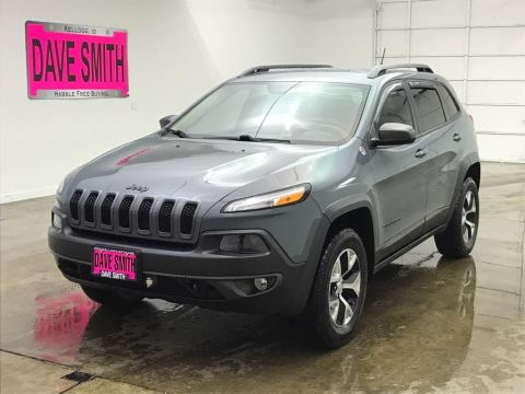 Pre-Owned 2014 Jeep Cherokee Trailhawk