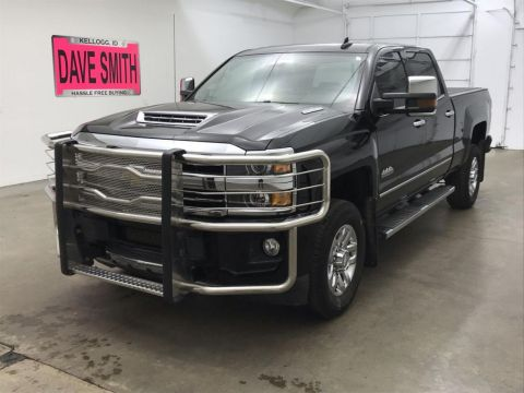 Pre-Owned 2018 Chevrolet Silverado 3500 High Country Crew Cab Short Box
