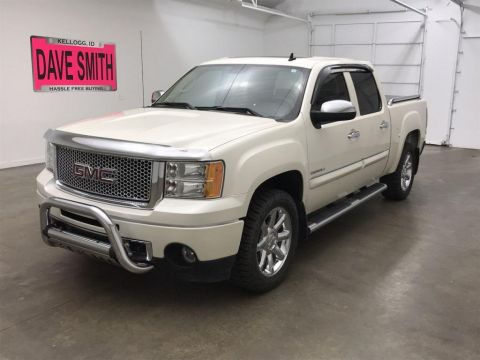 Pre-Owned 2013 GMC Sierra 1500 Denali Crew Cab Short Box