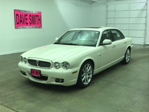 Pre-Owned 2008 Jaguar XJ8 XJ Series L